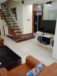 Gallery Cover Image of 1200 Sq.ft 2 BHK Apartment for rent in Tardeo for 110000