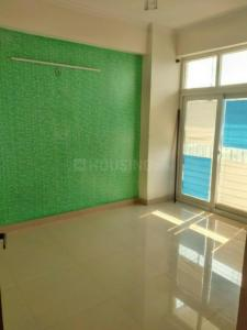 Gallery Cover Image of 1775 Sq.ft 3 BHK Apartment for rent in Sector 120 for 12000