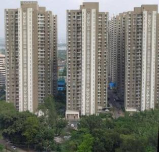 Gallery Cover Image of 1600 Sq.ft 3 BHK Apartment for buy in Lodha Venezia, Parel for 50000000