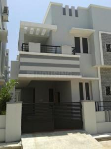 Gallery Cover Image of 2200 Sq.ft 3 BHK Apartment for rent in Pallikaranai for 23000
