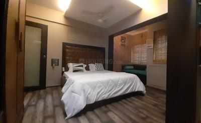 Gallery Cover Image of 650 Sq.ft 1 BHK Independent Floor for buy in Andheri West for 25000000