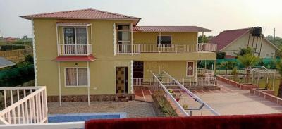 Gallery Cover Image of 2500 Sq.ft 4 BHK Villa for buy in Sector 135 for 10000000