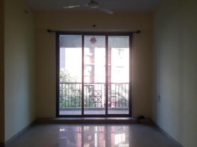 Gallery Cover Image of 1225 Sq.ft 3 BHK Apartment for rent in Thane West for 24000