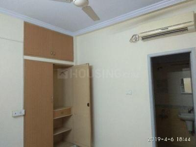 Gallery Cover Image of 1800 Sq.ft 3 BHK Apartment for rent in V J Flats, Adyar for 45000