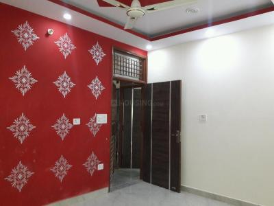 Gallery Cover Image of 450 Sq.ft 2 BHK Apartment for buy in Dwarka Mor for 2600000