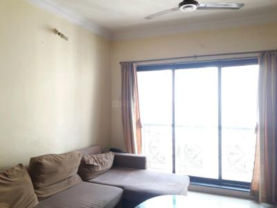 Gallery Cover Image of 950 Sq.ft 2 BHK Apartment for rent in Malad East for 33000