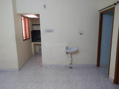 Gallery Cover Image of 700 Sq.ft 2 BHK Apartment for rent in Sembakkam for 10000