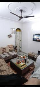 Gallery Cover Image of 550 Sq.ft 1 RK Apartment for buy in Janakpuri for 2300000