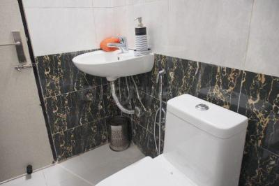 Bathroom Image of PG For Men And Women Near Sohna Road in Sector 48