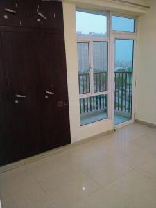 Gallery Cover Image of 1350 Sq.ft 3 BHK Apartment for rent in Gaursons Gaur City 5th Avenue, Noida Extension for 11500
