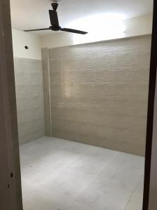 Gallery Cover Image of 610 Sq.ft 2 BHK Apartment for rent in Andheri West for 45000