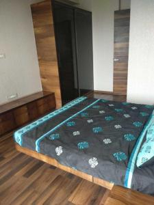 Gallery Cover Image of 1000 Sq.ft 2 BHK Apartment for rent in Kandivali East for 39000