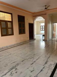 Gallery Cover Image of 3200 Sq.ft 4 BHK Independent Floor for rent in Sigma I for 25000