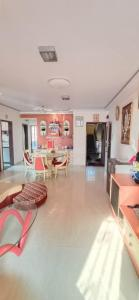 Gallery Cover Image of 1155 Sq.ft 2 BHK Apartment for buy in Seawoods for 15000000