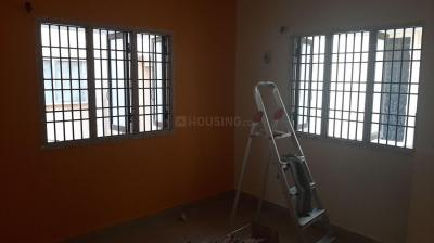 Gallery Cover Image of 900 Sq.ft 2 BHK Independent House for rent in Nanganallur for 14000