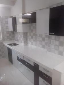 Gallery Cover Image of 1500 Sq.ft 3 BHK Apartment for buy in Romell Shraddha, Borivali West for 27000000