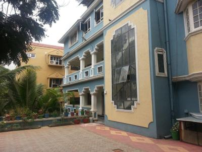 Gallery Cover Image of 3000 Sq.ft 4 BHK Independent House for rent in Jubilee Hills for 75000