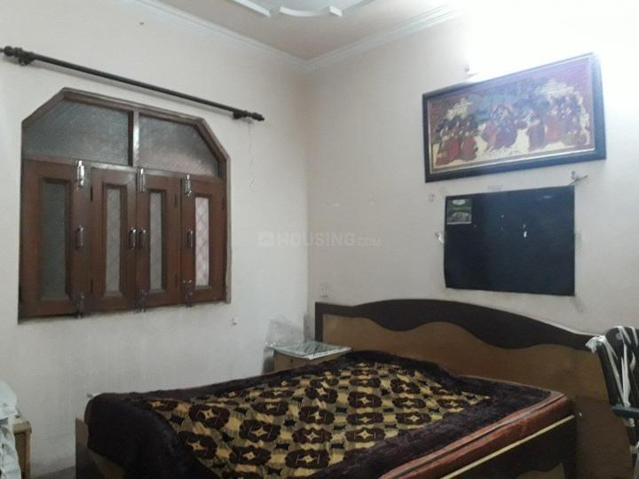 रणजीत नगर में तेरा पीजी के बेडरूम की तस्वीर