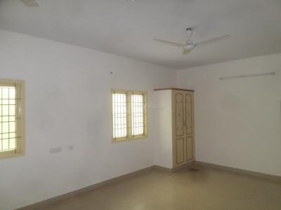 Gallery Cover Image of 800 Sq.ft 2 BHK Apartment for rent in Velachery for 16000