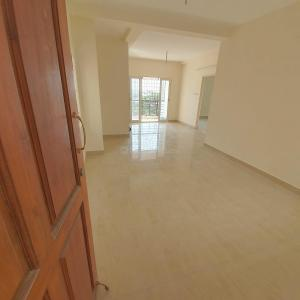 Gallery Cover Image of 1025 Sq.ft 2 BHK Apartment for buy in Mugalivakkam for 5200000