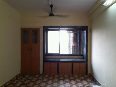 Gallery Cover Image of 350 Sq.ft 1 RK Apartment for buy in Kandivali West for 3900000
