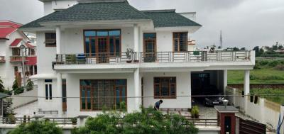 Gallery Cover Image of 6000 Sq.ft 5 BHK Independent House for buy in Mothrowala for 24000000