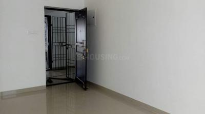 Gallery Cover Image of 930 Sq.ft 2 BHK Apartment for rent in SSM Nagar, Perungalathur for 8000