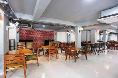 Hall Image of Fnf Co Living in DLF Phase 3