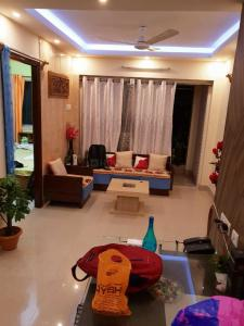 Gallery Cover Image of 900 Sq.ft 2 BHK Apartment for rent in Boral for 14000