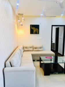 Gallery Cover Image of 1983 Sq.ft 3 BHK Apartment for buy in Sector 79 for 9990000