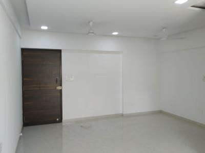 Gallery Cover Image of 750 Sq.ft 2 BHK Apartment for buy in Kandivali West for 17900000