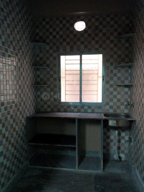 Kitchen Image of 680 Sq.ft 2 BHK Apartment for rent in Keshtopur for 6500