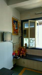 Gallery Cover Image of 450 Sq.ft 1 BHK Apartment for rent in Borivali West for 16000