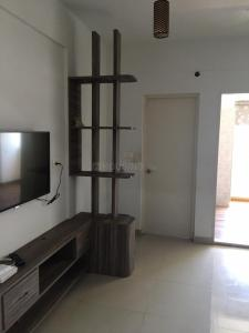 Gallery Cover Image of 580 Sq.ft 1 BHK Apartment for rent in Emami Tejomaya, Egattur for 18000
