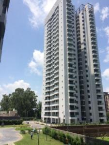 Gallery Cover Image of 1665 Sq.ft 3 BHK Apartment for rent in Sector 106 for 18000