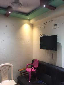 Gallery Cover Image of 325 Sq.ft 1 BHK Apartment for rent in Parel for 18000