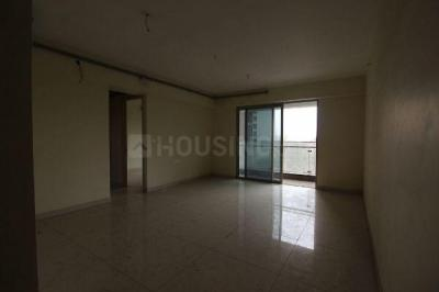 Gallery Cover Image of 860 Sq.ft 3 BHK Apartment for rent in Kandivali East for 35000