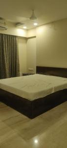 Gallery Cover Image of 3000 Sq.ft 4 BHK Apartment for rent in Bandra East for 250000