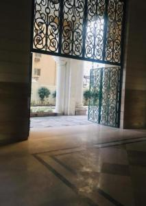 Gallery Cover Image of 685 Sq.ft 1 BHK Apartment for buy in Sunworld Arista, Sector 168 for 4300000