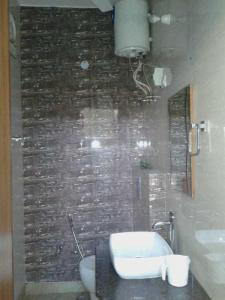 Gallery Cover Image of 1350 Sq.ft 3 BHK Villa for rent in Pitampura for 30000