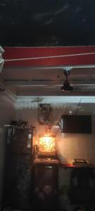 Gallery Cover Image of 250 Sq.ft 1 RK Independent House for rent in Kurla West for 10000