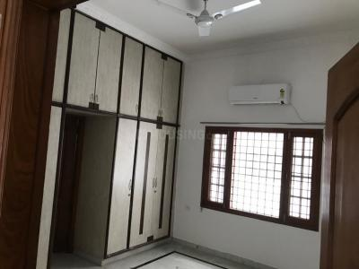 Gallery Cover Image of 1500 Sq.ft 2 BHK Apartment for rent in SriNagar Colony for 21000