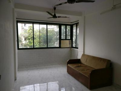 Gallery Cover Image of 1100 Sq.ft 1 BHK Apartment for rent in Bandra West for 55000