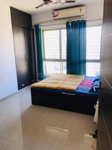 Gallery Cover Image of 1150 Sq.ft 2 BHK Apartment for rent in Powai for 65000