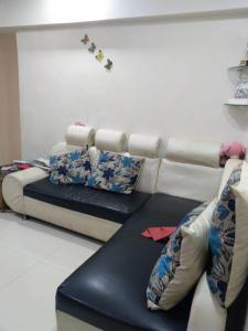 Gallery Cover Image of 740 Sq.ft 2 BHK Apartment for buy in Mulund West for 11000000