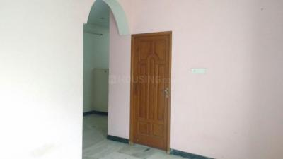 Gallery Cover Image of 950 Sq.ft 2 BHK Apartment for rent in Velachery for 15000