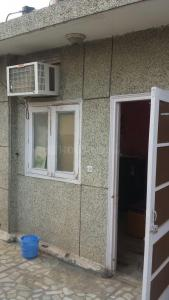 Gallery Cover Image of 400 Sq.ft 1 RK Independent Floor for rent in Chittaranjan Park for 16500