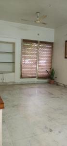 Gallery Cover Image of 1500 Sq.ft 3 BHK Apartment for rent in DDA Mig Flats Sarita Vihar, Sarita Vihar for 35000
