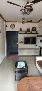 Gallery Cover Image of 978 Sq.ft 2 BHK Apartment for buy in Kalamboli for 6850000