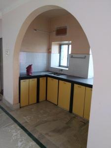 Gallery Cover Image of 1400 Sq.ft 2 BHK Apartment for rent in Ariadaha for 12000
